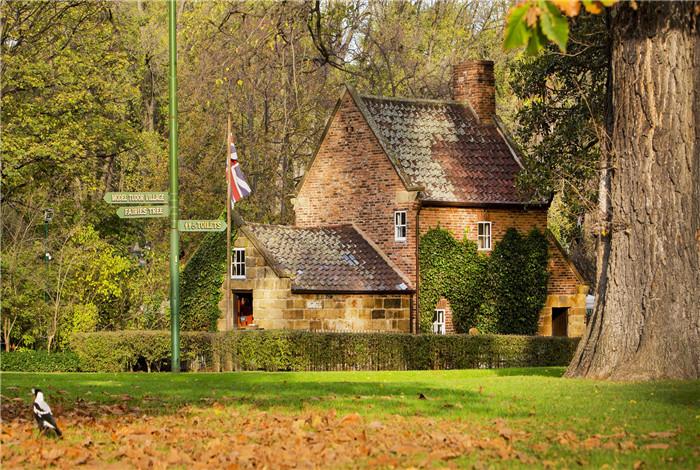 探索墨尔本丰富的历史以及库克船长小屋之所以会成为城市地标性景点的原因。在这个两层楼的小屋中,感受库克船长的家庭生活。