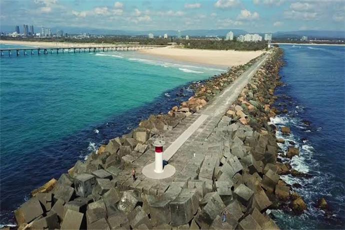 澳大利亚黄金海岸阳光海岸1日包车游·瑞士小镇+酒庄+蒙维尔艺术山城【海滩品酒首选】
