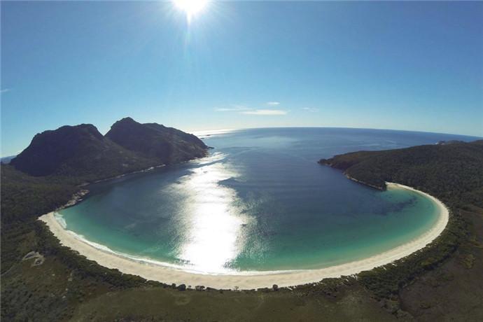澳大利亚塔斯马尼亚酒杯湾包车一日游-酒杯湾,菲欣纳国家公园,浆果农庄