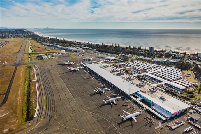 黄金海岸机场可直飞新西兰,澳大利亚本土各大城市以及亚洲等地,每周航班量逾380架次。黄金海岸机场目前是捷星航空的枢纽机场,在澳大利亚最繁忙的机场排名第六。