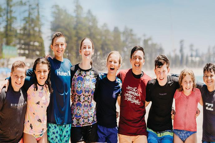 澳洲游学可以让小朋友和大朋友体验澳洲的教育环境,独特的风俗习惯,这样能够开拓视野,增长见识,收获颇多!