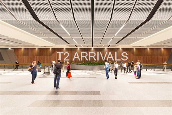 墨尔本至悉尼航线是世界上第五条最常旅客航线,机场设有直达33个澳大利亚国内目的地的航线。国际上,墨尔本国际机场有直达和间接到达通太平洋、欧洲、亚洲、北美洲和南美洲多个城市的航线,是一座世界级国际机场。