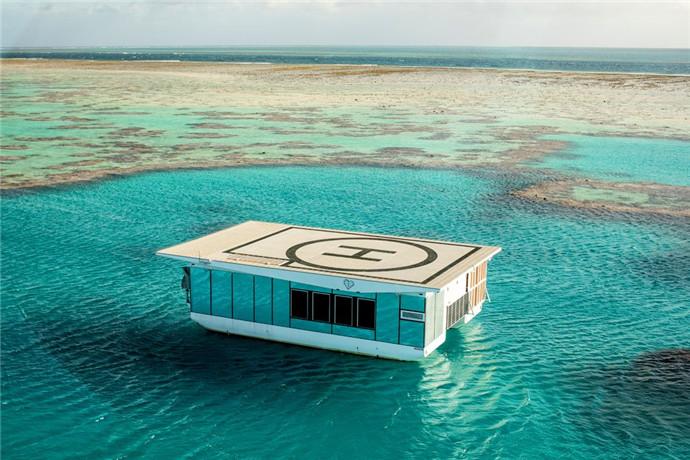 这个独一无二的活动,可以让您在壮观的心型岛浮台放松身心,那里拥有令人惊艳的镜面外观,豪华配件和大堡礁的壮丽景色;