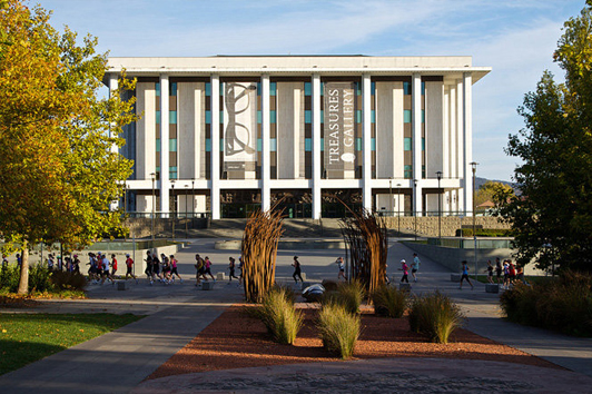堪培拉澳大利亚国家图书馆( National Library of Australia)