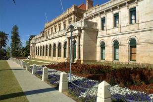 澳大利亚西澳珀斯一日游-珀斯市区,弗里曼特尔小镇,天鹅钟塔,国王花园