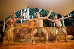 商务舱往返+4人同行立减3800元/人凯恩斯布里斯班黄金海岸悉尼墨尔本奢享之旅10日游