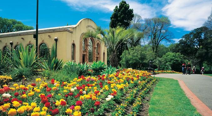 墨尔本费兹洛花园(Fitzroy Gardens)