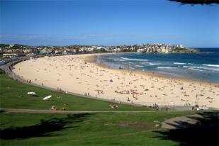 澳大利亚布里斯班+黄金海岸+塔斯马尼亚9日8晚·南岸公园+亚瑟港+摇篮山+喂食海豚+海洋世界+Q1观光塔