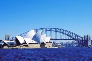 澳大利亚悉尼+凯恩斯+布里斯班+黄金海岸7天6晚精品小团·悉尼游船+悉尼灯光节+蓝山公园+绿岛大堡礁+两晚五星酒店+直升机体验+特色餐
