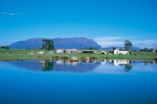 澳大利亚塔斯马尼亚包车二游-塔斯曼拱门,棋盘式人行道,菲尔德山国家公园,罗素瀑布